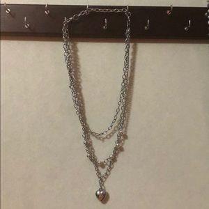 Jewelry - silver trinecklace
